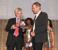 Uitreiking Alu Award aan Bram Moens
